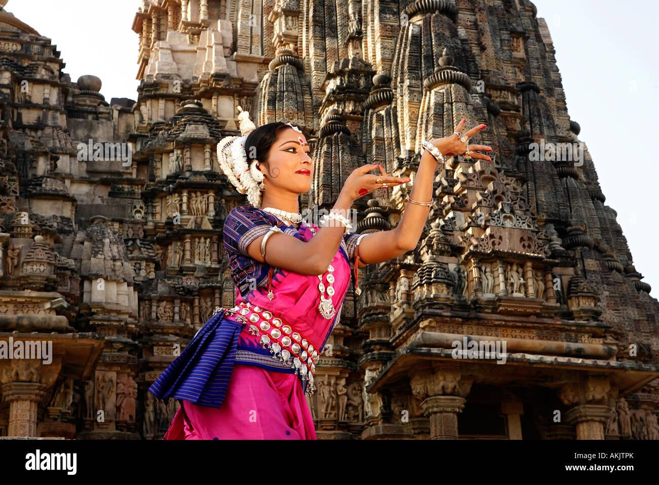 Indien, Madhya Pradesh, Khajuraho, Foto-Shooting für eine Odissi Tänzer des Festival of dance Stockbild