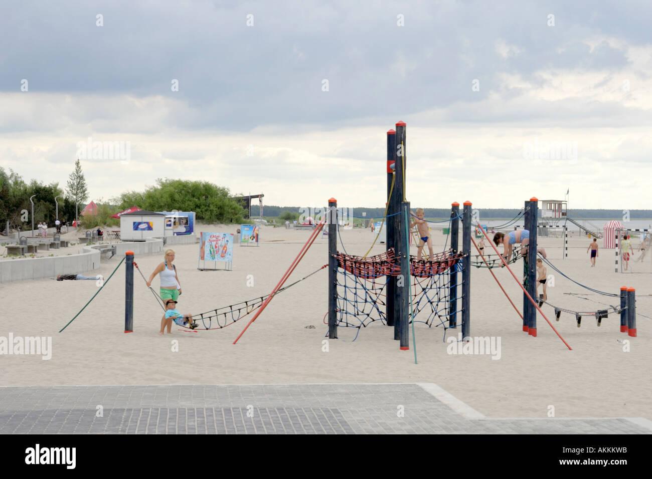 Klettergerüst Russisch : Parnu strand estland kinder spielplatz mit klettergerüst am