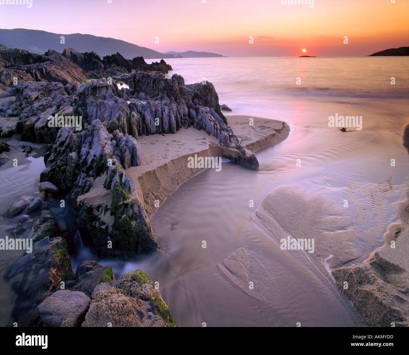 IE - CO. CORK: Sonnenuntergang über die Bucht von Allihies Stockbild