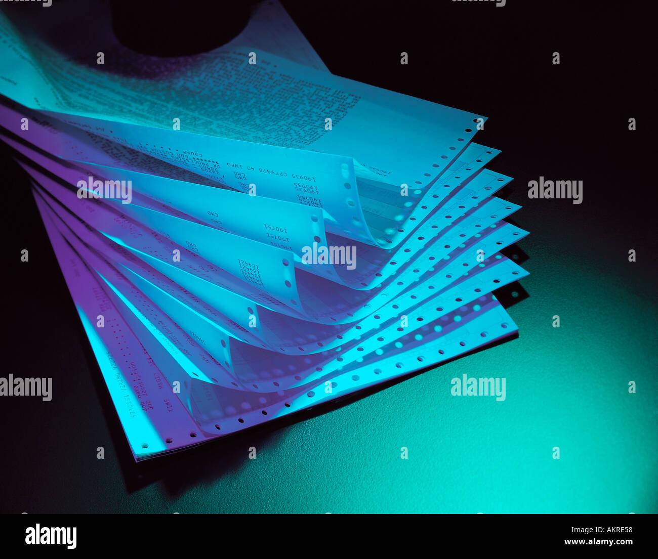 Stapel von Computer ausdrucken Papier Stillleben Stockbild
