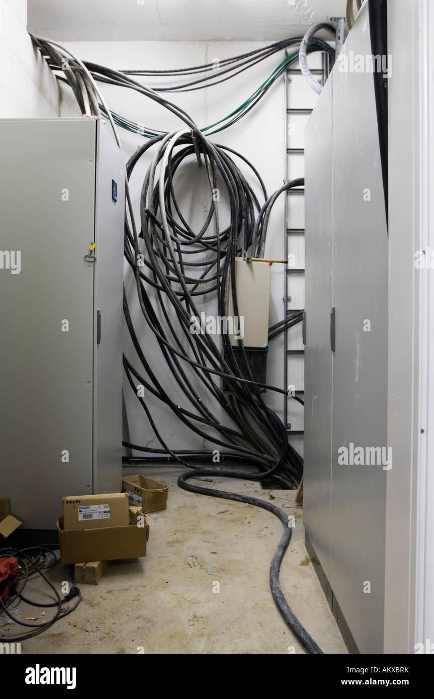 Fein Wie Man Das Haus Für Das Kabel Verdrahtet Fotos - Elektrische ...