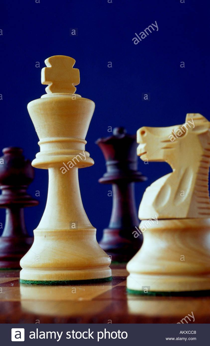 Nahaufnahme von Schachfiguren Stockbild