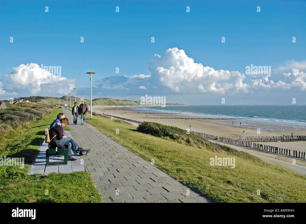 strand mit promenade zoutelande zeeland holland. Black Bedroom Furniture Sets. Home Design Ideas