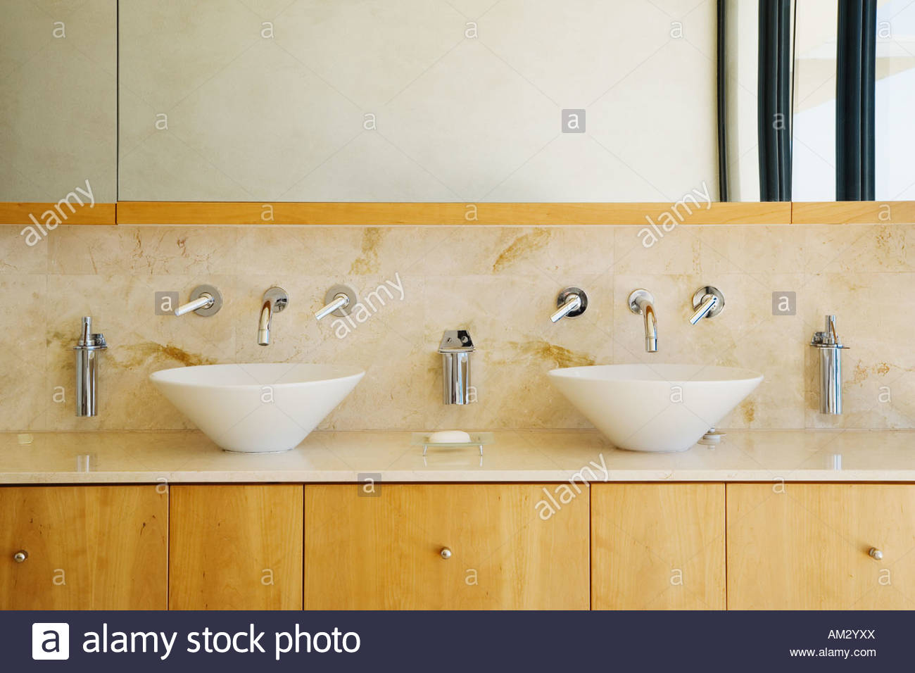 Charmant Moderne Badezimmer Eitelkeit Und Waschbecken
