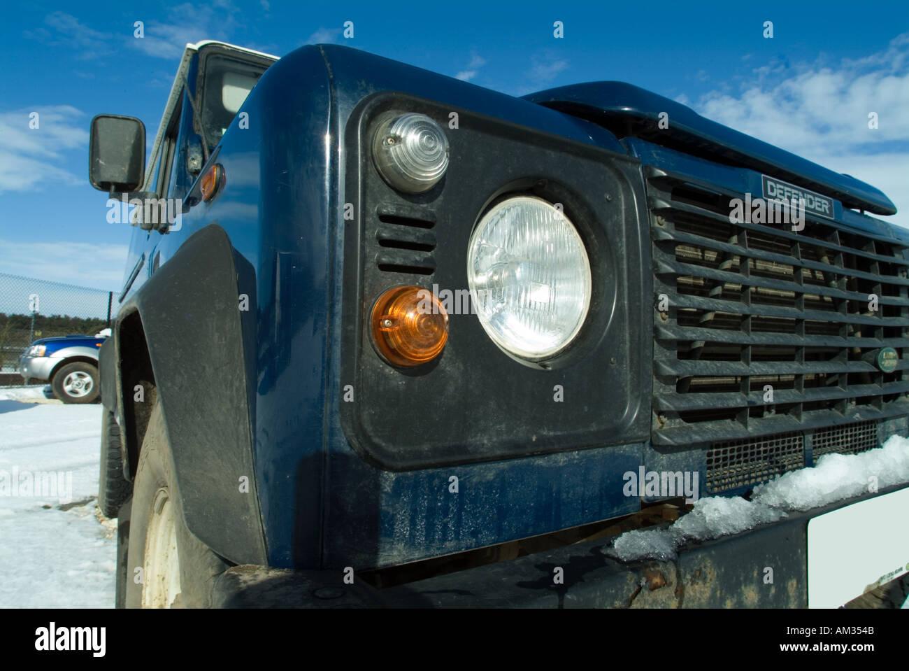 Land Rover im Schnee Auto Suv Ford motor Company Fomoco vier englische Rad Antrieb 4 x 4 4 X 4 Schnee Griff Benzin Strom gener Stockbild