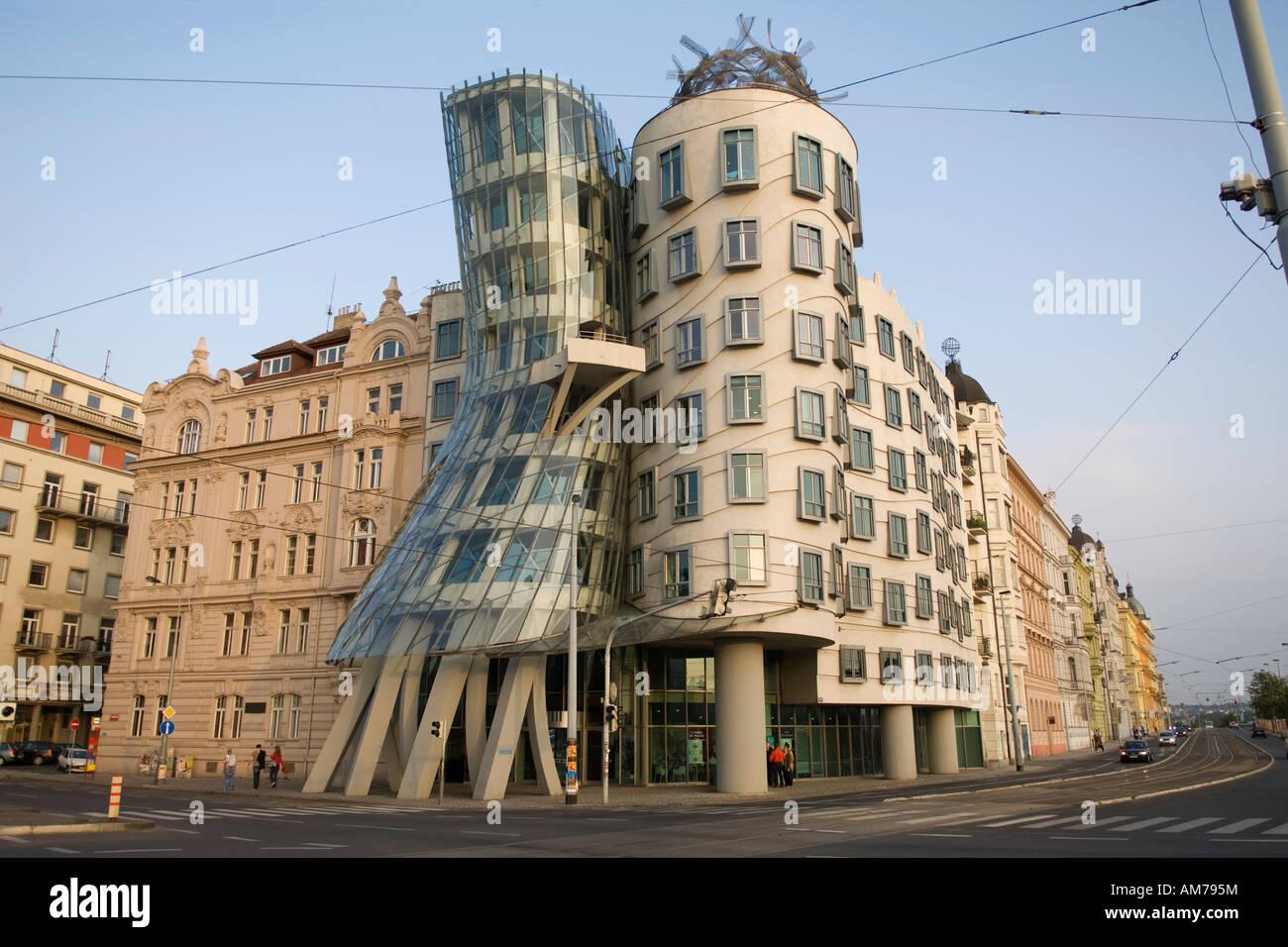 """Tanzendes Haus """"Ginger und Fred"""" von Frank Gehry Prag"""