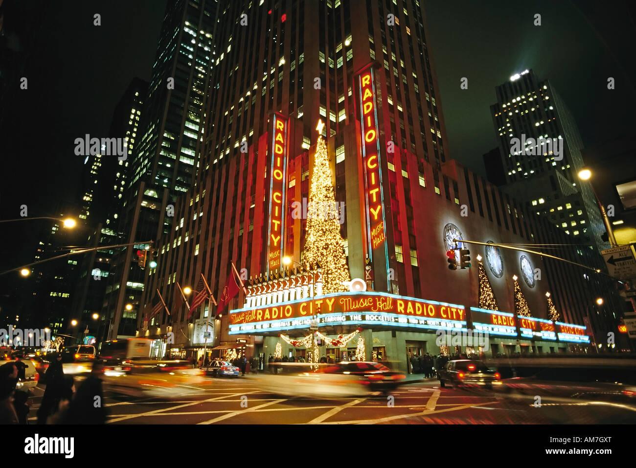 Die Radio City Music Hall Gebäude bei Nacht, Weihnachten in new york ...