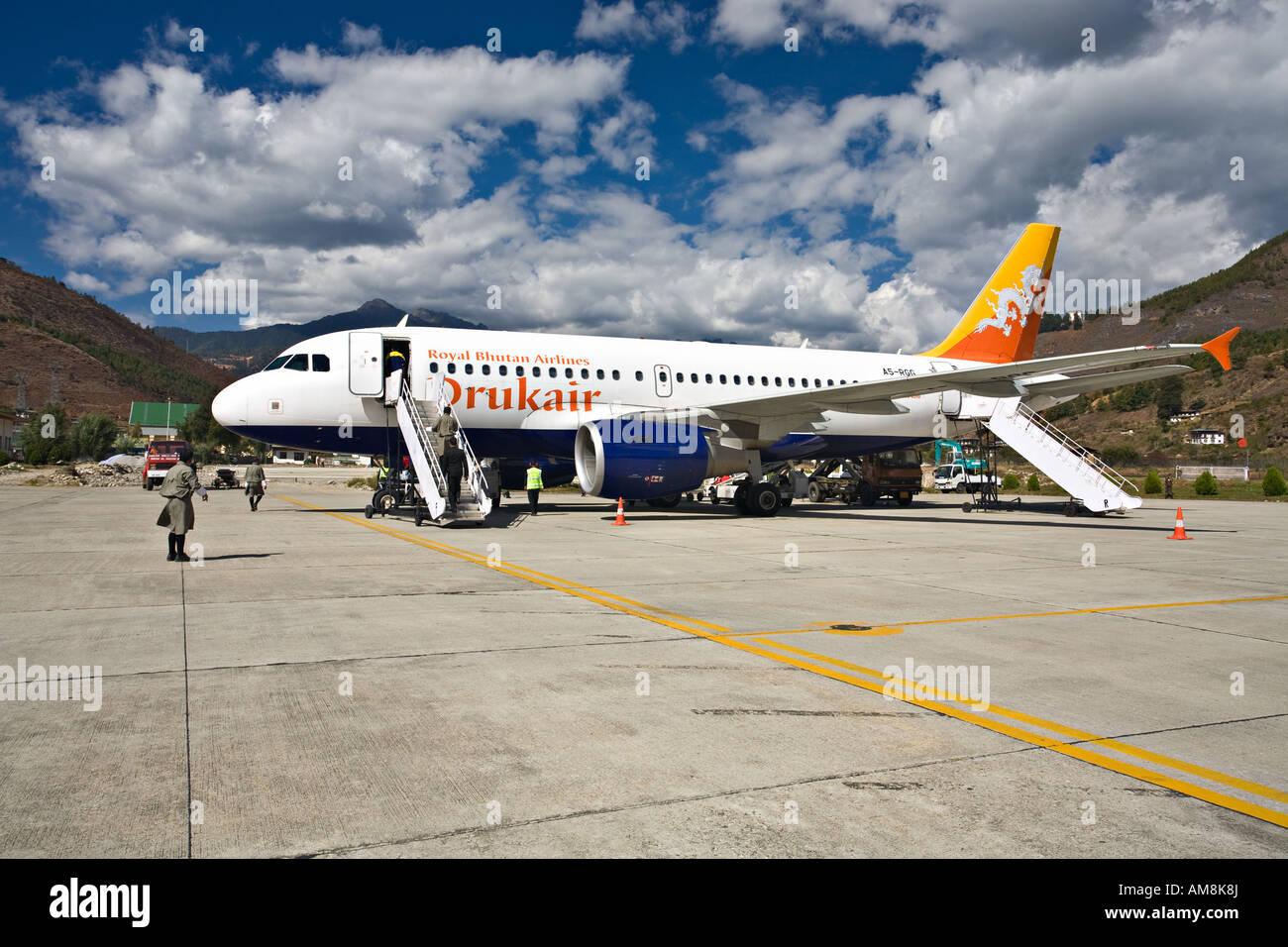 Druk Air Flughafen Paro Paro Bhutan Stockfoto Bild 15184721 Alamy