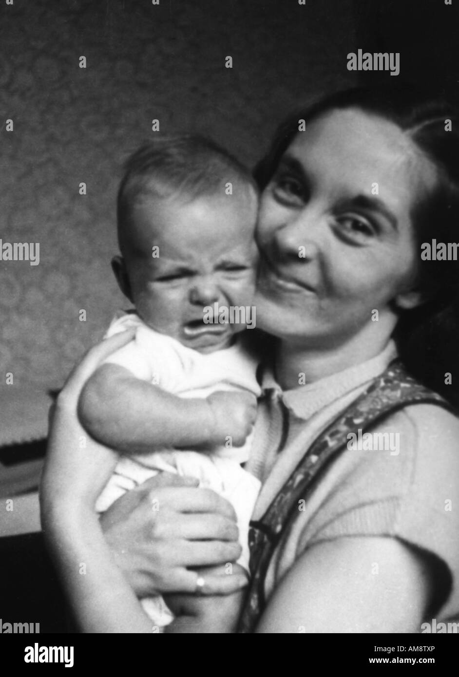Alte Vintage Black And White Family Snapshot Foto Junge Mutter