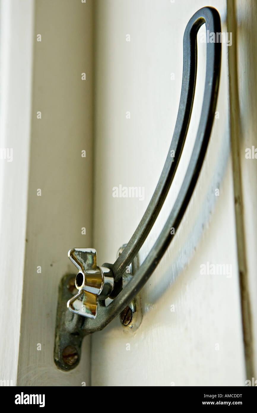 Berühmt Fenster-Verriegelung Stockfoto, Bild: 15220403 - Alamy BI11