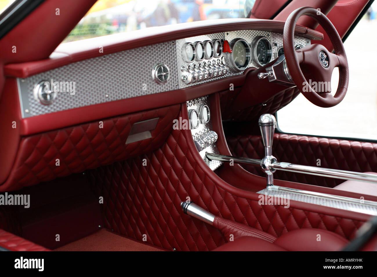 Innenraum eines Sportwagens Spyker C8 Laviolette Stockfoto, Bild ...