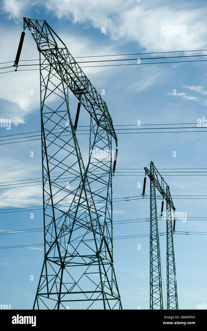 High Voltage Strom Sendemasten Stockbild