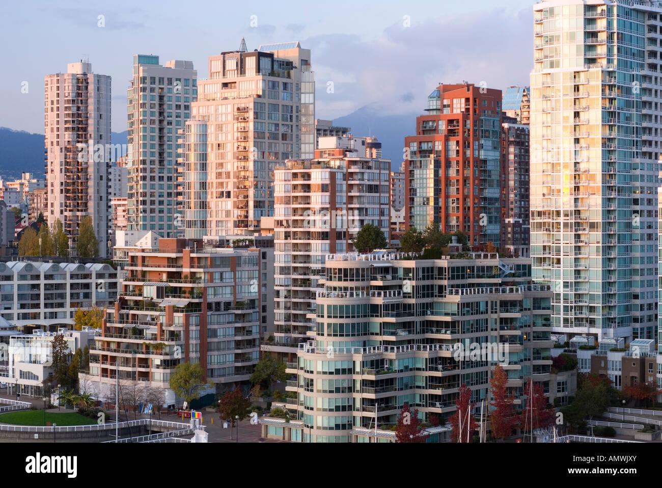Die Skyline der Innenstadt am False Creek in der Nähe von Vancouver British Columbia Kanada 2007 Stockbild