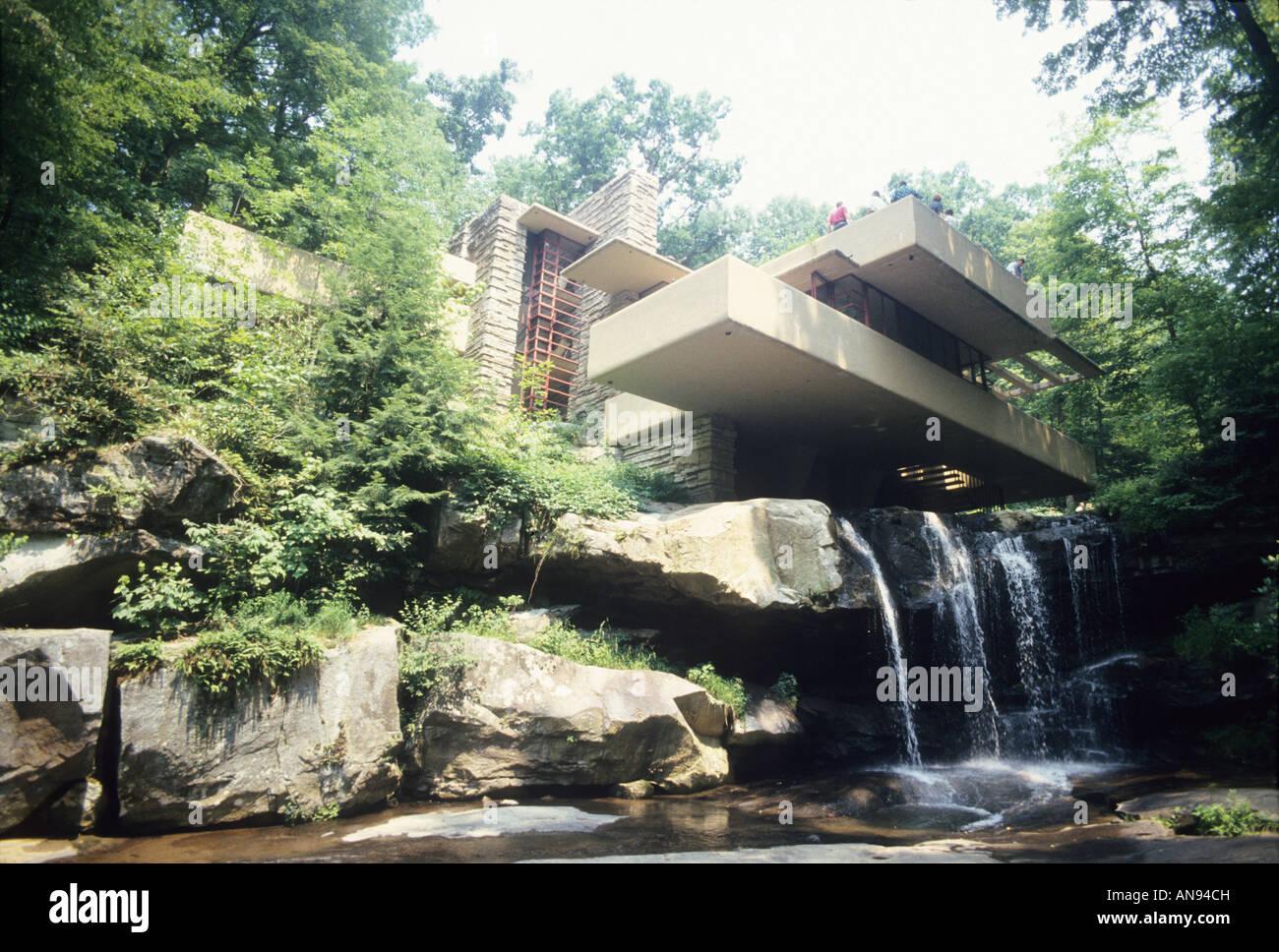 Fallende Wasser, Haus von Frank Lloyd Wright entworfen, besuchen Pennsylvania USA Touristen Architektur Wahrzeichen Stockfoto