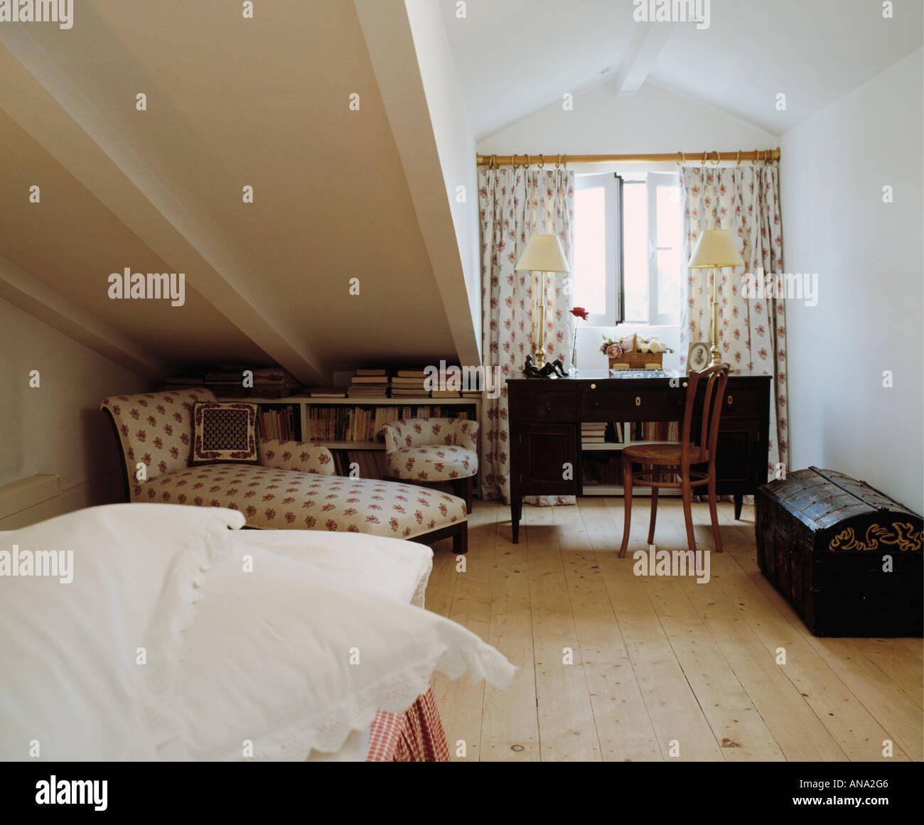 attics bedrooms stockfotos attics bedrooms bilder alamy. Black Bedroom Furniture Sets. Home Design Ideas