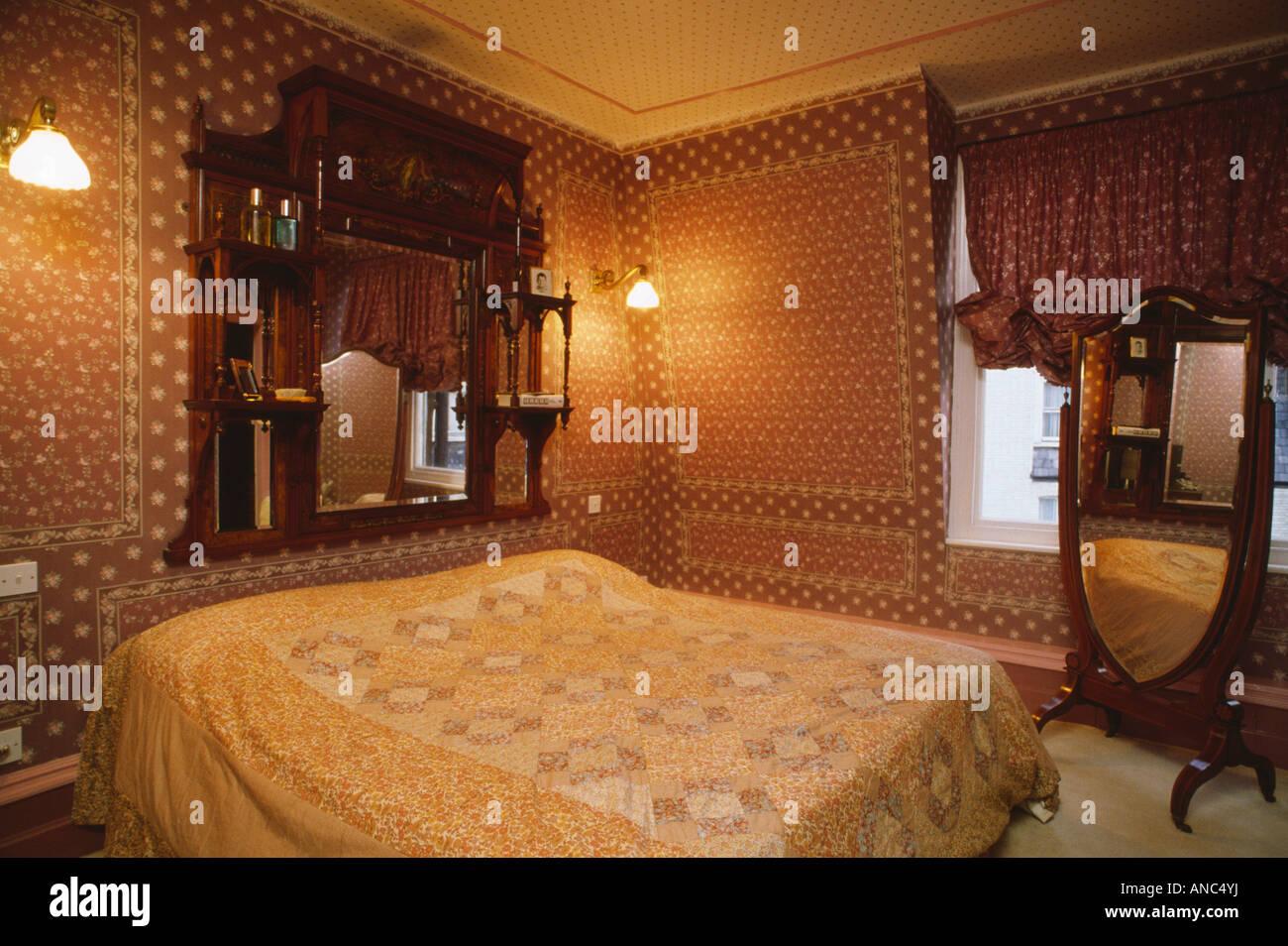 Supraporte Spiegel Und Cheval Glas 70er Jahre Schlafzimmer Mit Braun