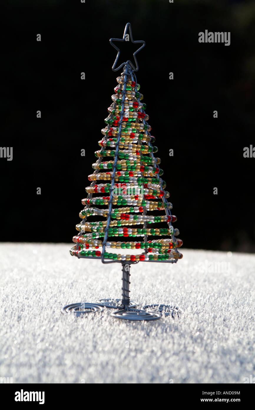 Weihnachtsbaum aus draht kleiderbugel