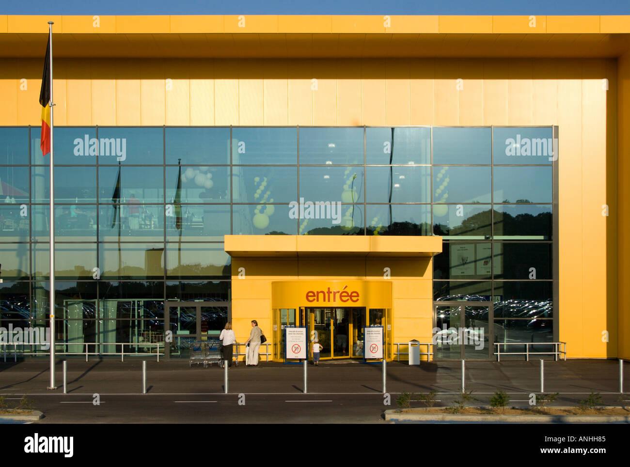 Eingang Zu Einem Möbel Geschäft In Der Nähe Von Arlon In Belgien