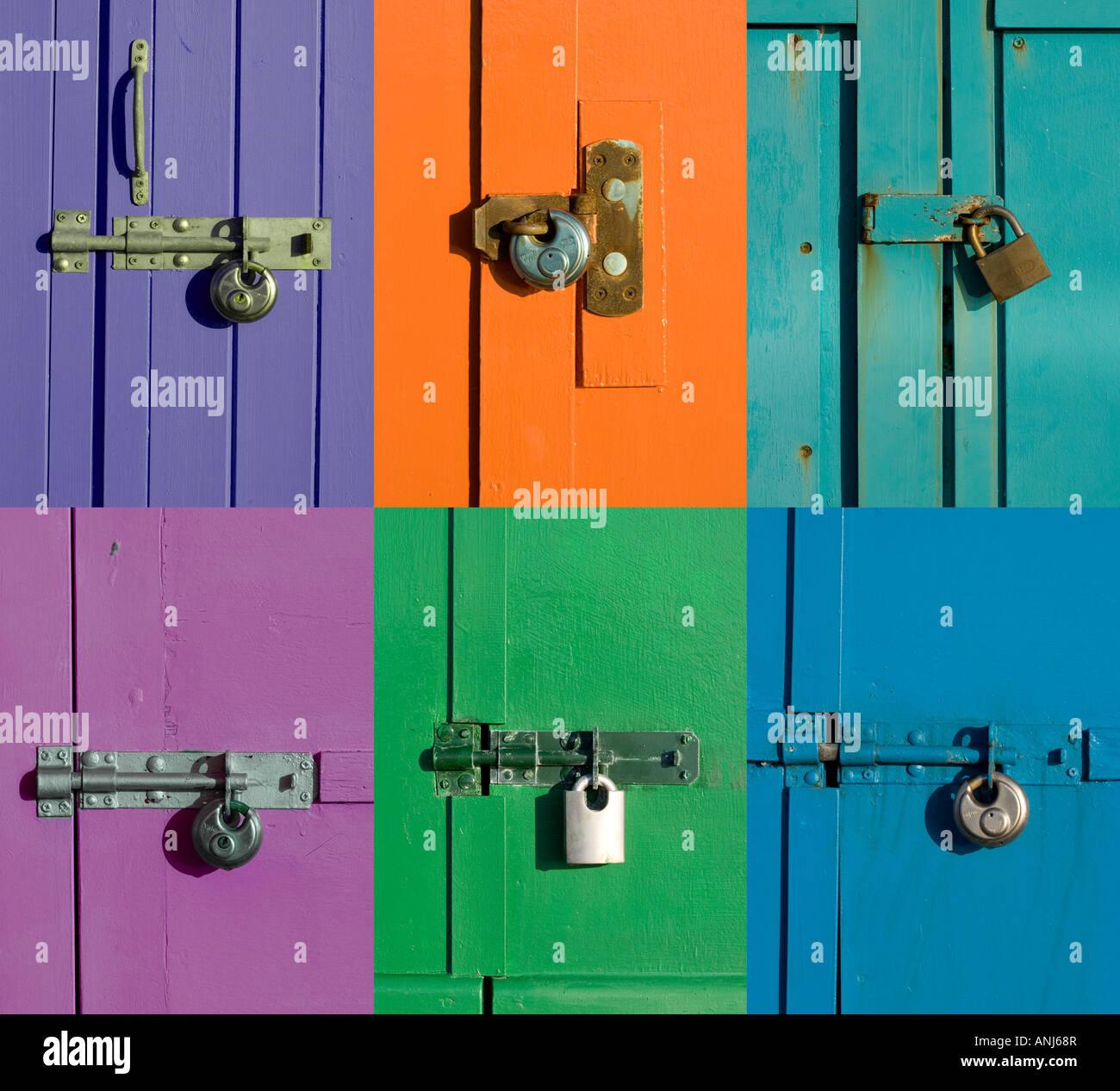 Schrauben und Schlösser an bunten Türen Stockbild