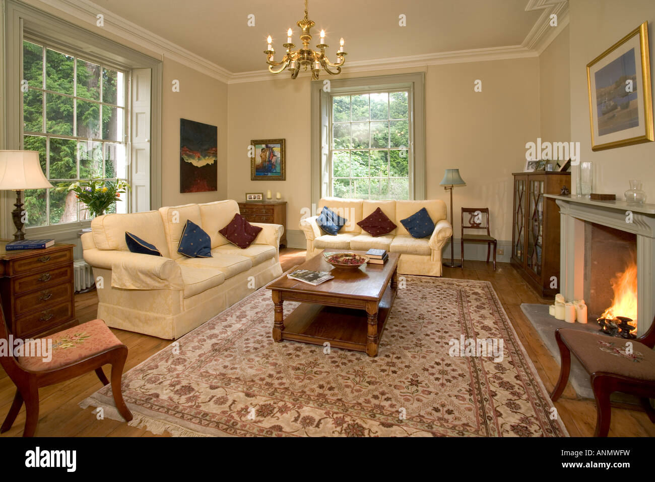 Traditional Style Living Room Stockfotos & Traditional Style Living ...