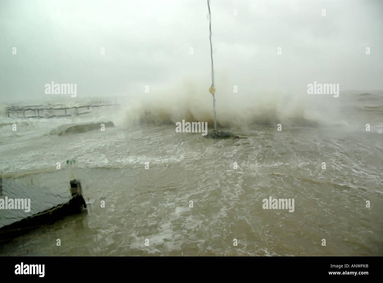 Natur Wetter Tropensturm Hochwasserwellen Hurrikan Stockbild