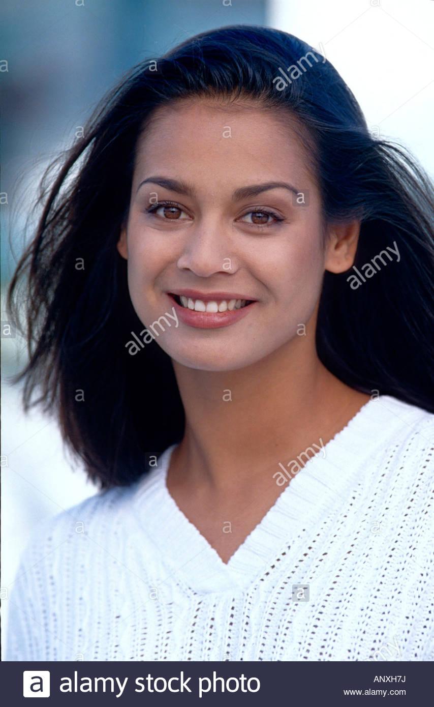 Frau Modell Amy Schwarze Haare Braune Augen Stockfoto Bild