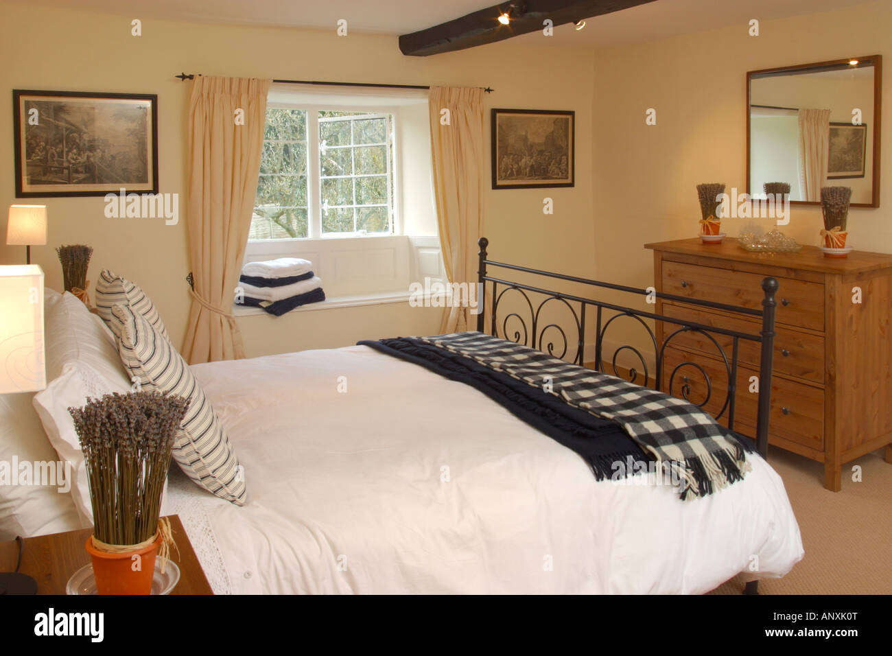 English Style Interior Stockfotos & English Style Interior Bilder ...