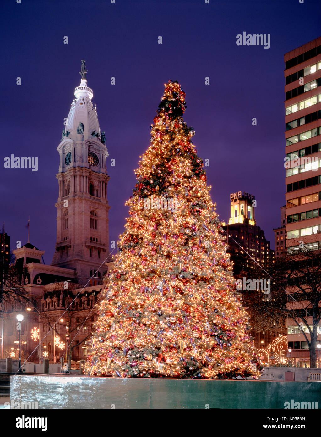 Philadelphia Christmas Tree Stockfotos & Philadelphia Christmas Tree ...
