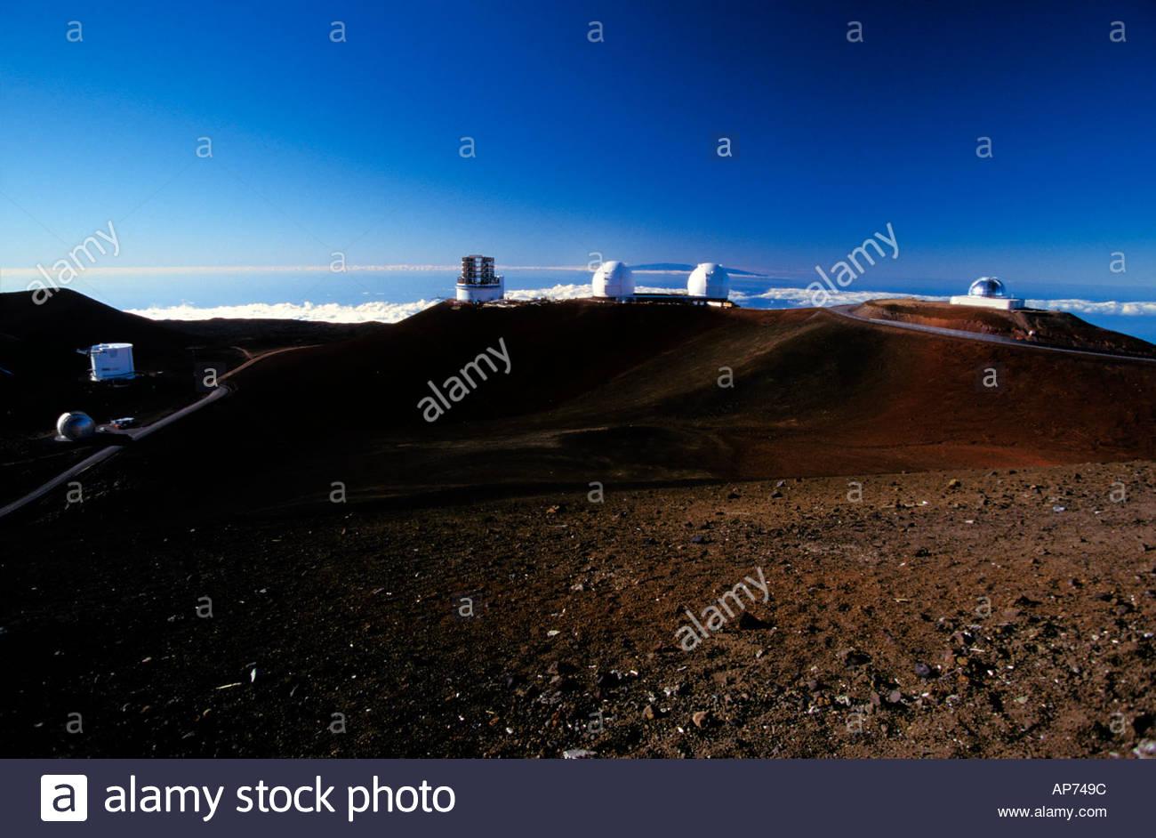 Sternwarte astronomie teleskopoptik spiegel objektiv wissenschaft