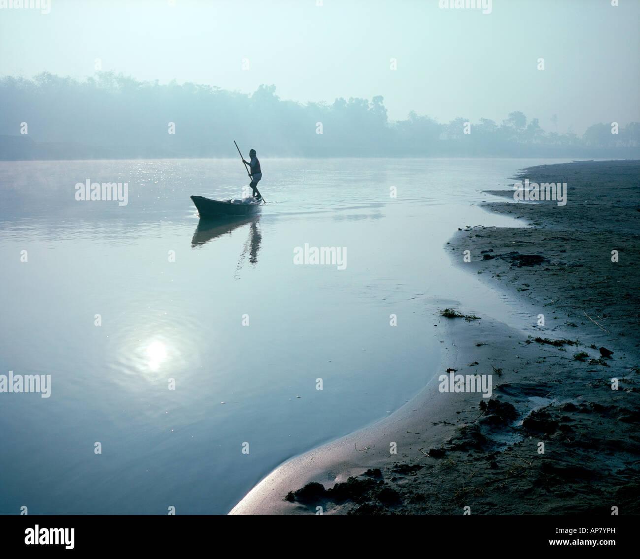 Sonnenaufgang am Bogra River, Bangladesch Stockbild