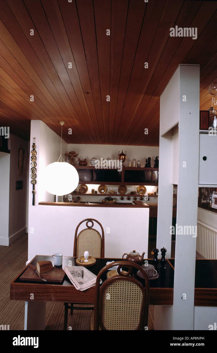 Küche Holzdecke | Holzdecke Und Pendelleuchte In Sechziger Jahre Kuche Esszimmer