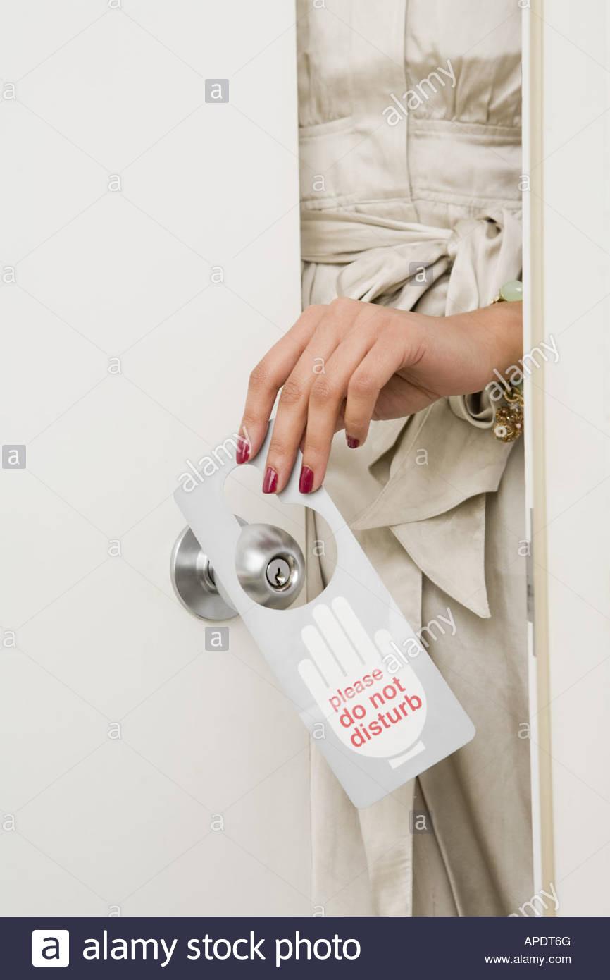 Der tur  Frau, bitte nicht stören Schild auf der Tür Stockfoto, Bild ...