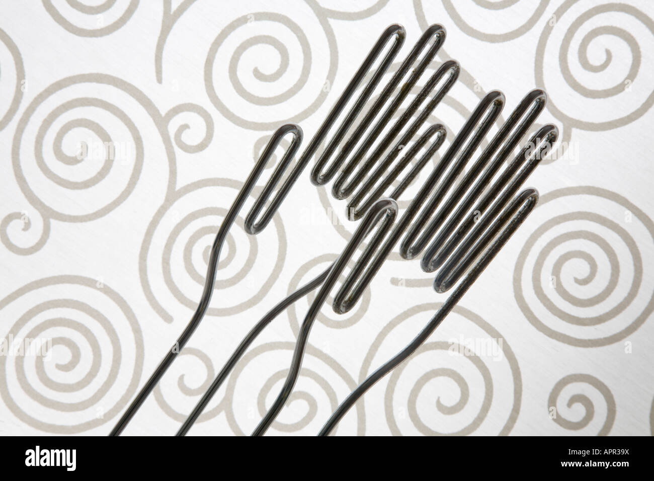 Draht Hände für die Abhaltung Gummihandschuhe vor einem wirbelte ...