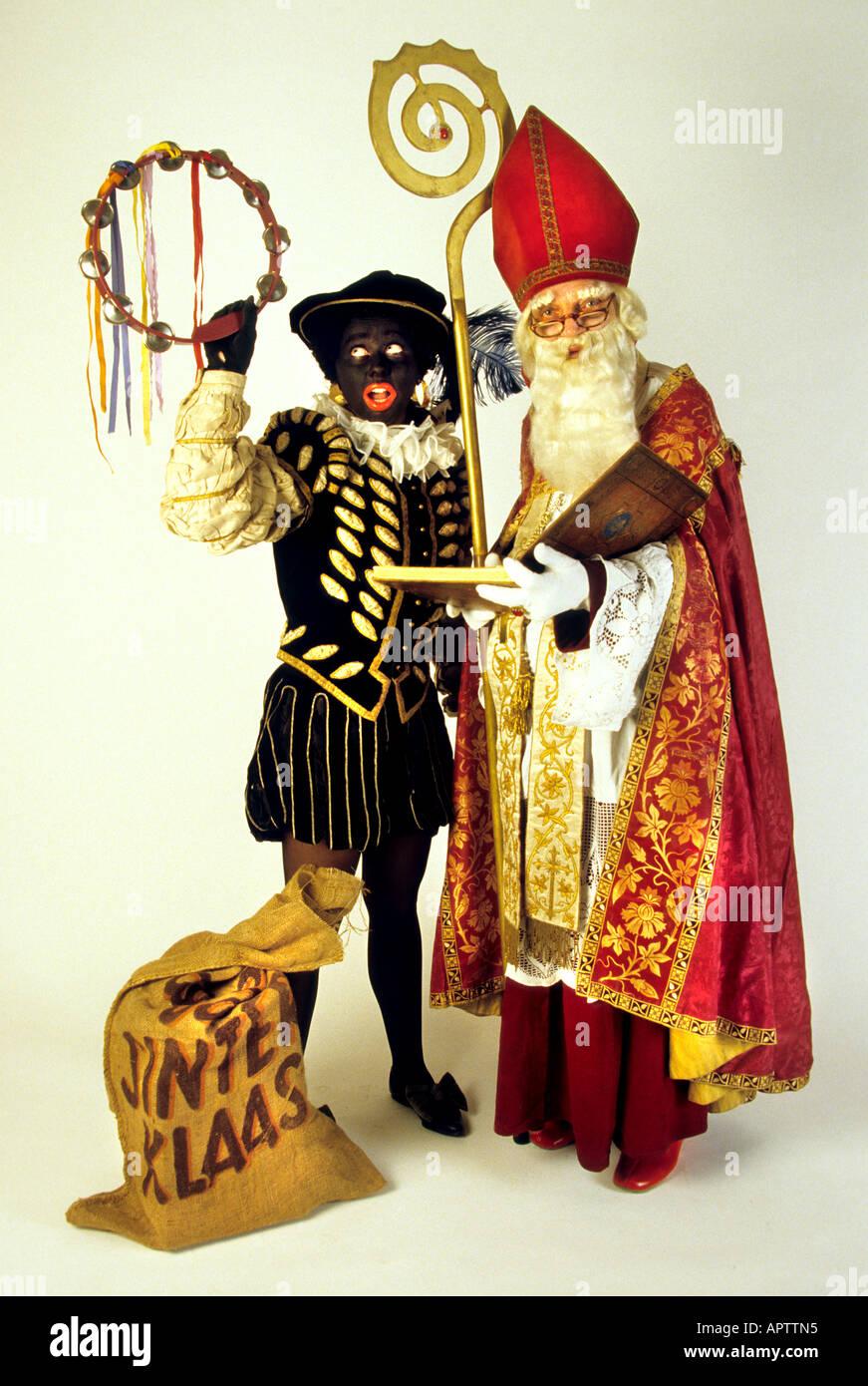 sinterklaas und zwarte piet 5 dec niederl ndisch vater weihnachten niederlande stockfoto bild. Black Bedroom Furniture Sets. Home Design Ideas