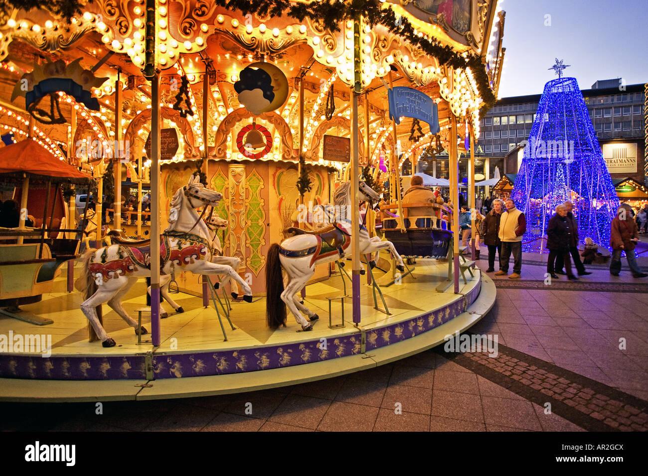 Essen Weihnachtsmarkt 2019.Historisches Karussell Am Weihnachtsmarkt Im Citycenter Essen