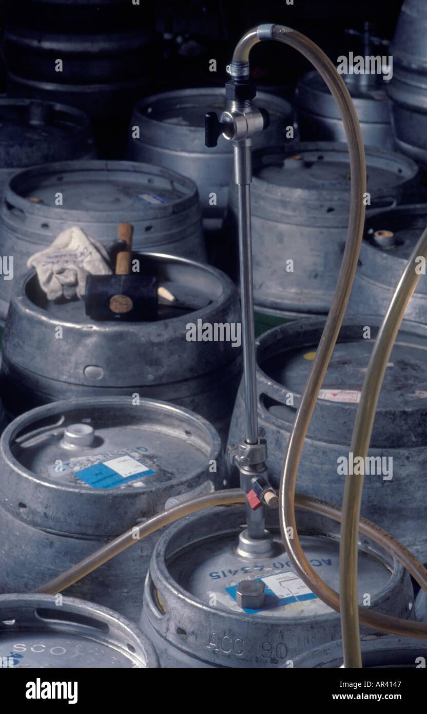 Dorfkneipe Moderne Bierfasser In Einem Keller In Katz Und