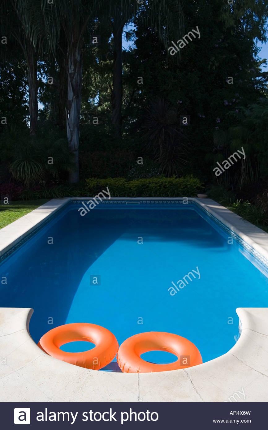 Empty Backyard Swimming Pool Stockfotos & Empty Backyard ...