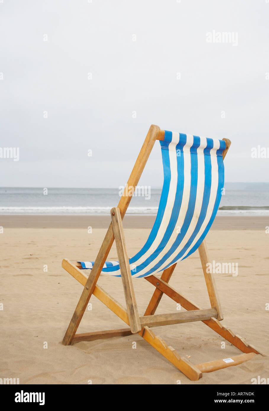 Beach Whitby Deckchair Stockfotos & Beach Whitby Deckchair Bilder ...
