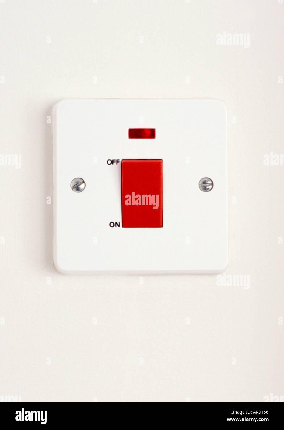 Elektrische Isolierung Netzschalter mit einem roten Neon-Indikator Stockbild