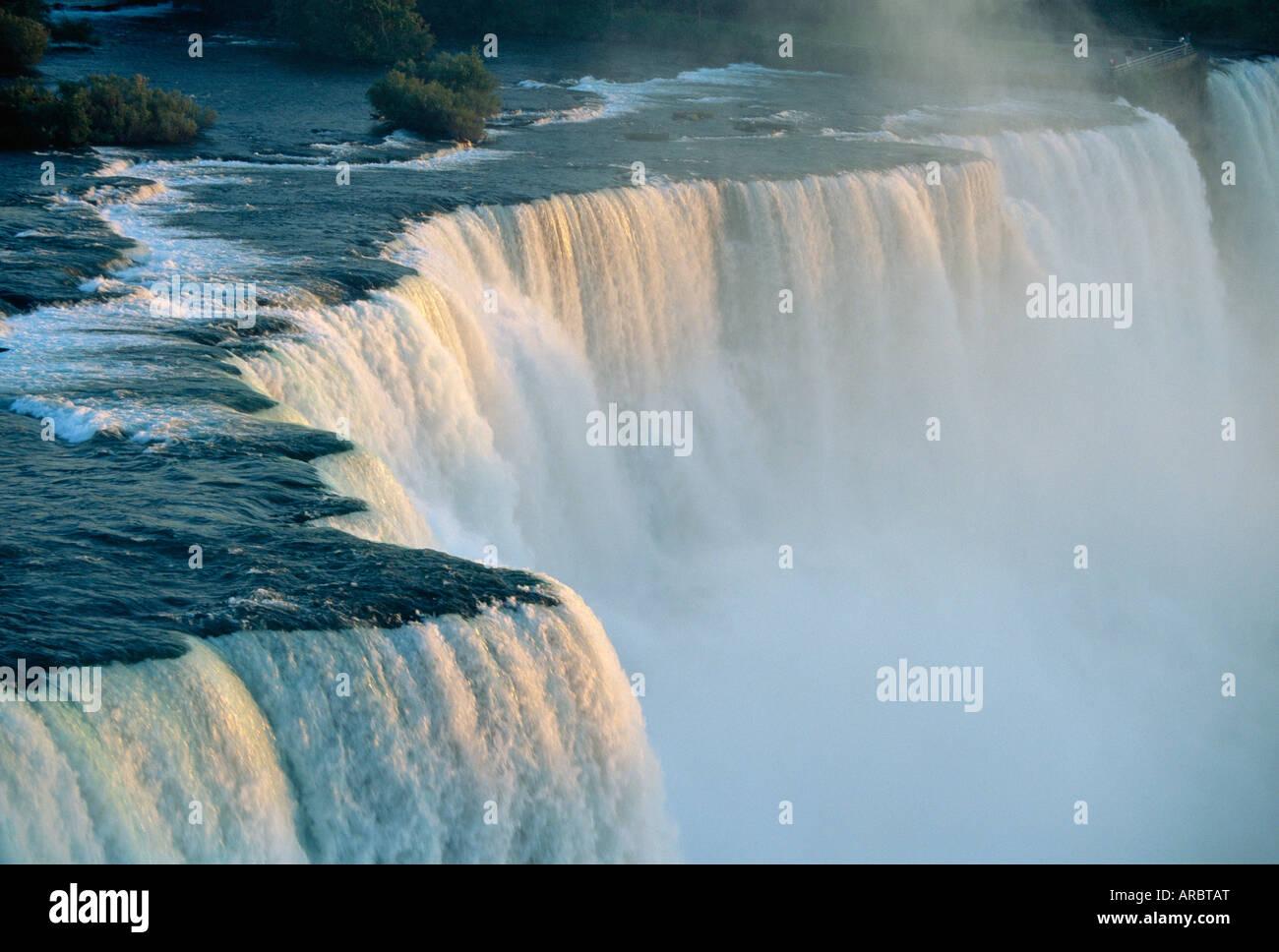Die amerikanischen Wasserfälle an der Niagara Falls, New York State, USA Stockbild
