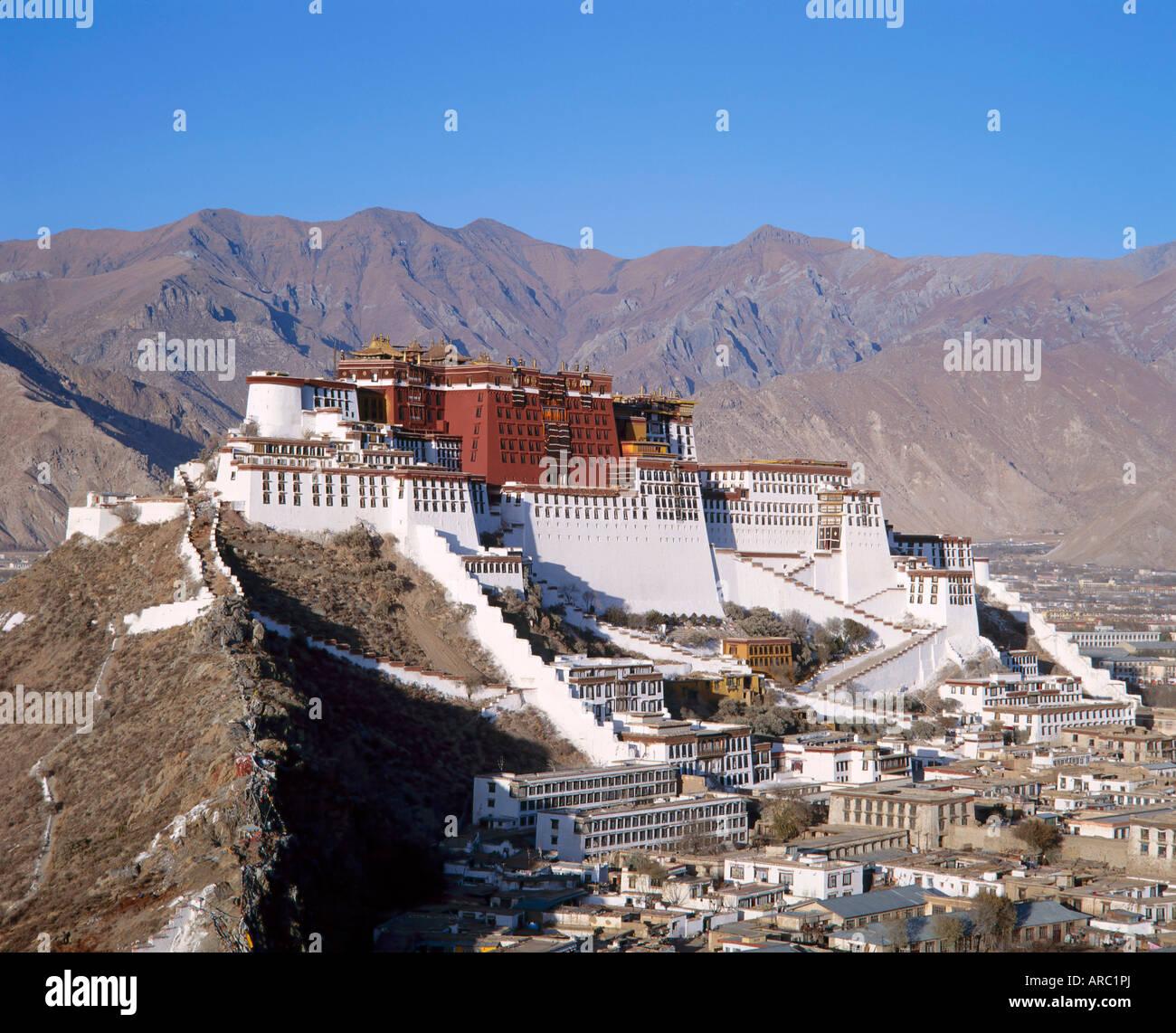 Der Potala-Palast, die ehemalige Residenz des Dalai Lama in Lhasa, Tibet, Asien Stockbild
