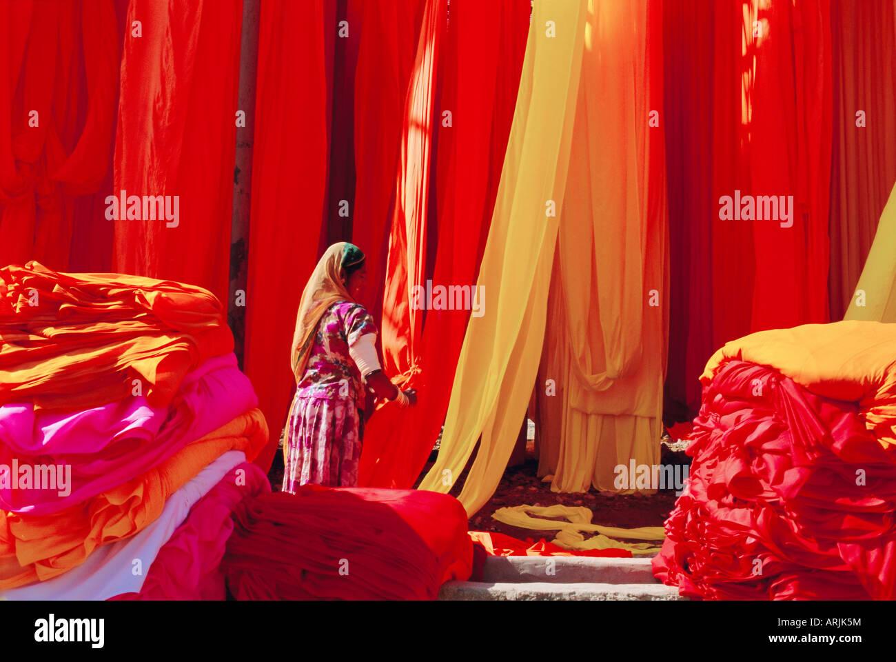 Sari Textilfabrik, Rajasthan, Indien Stockbild