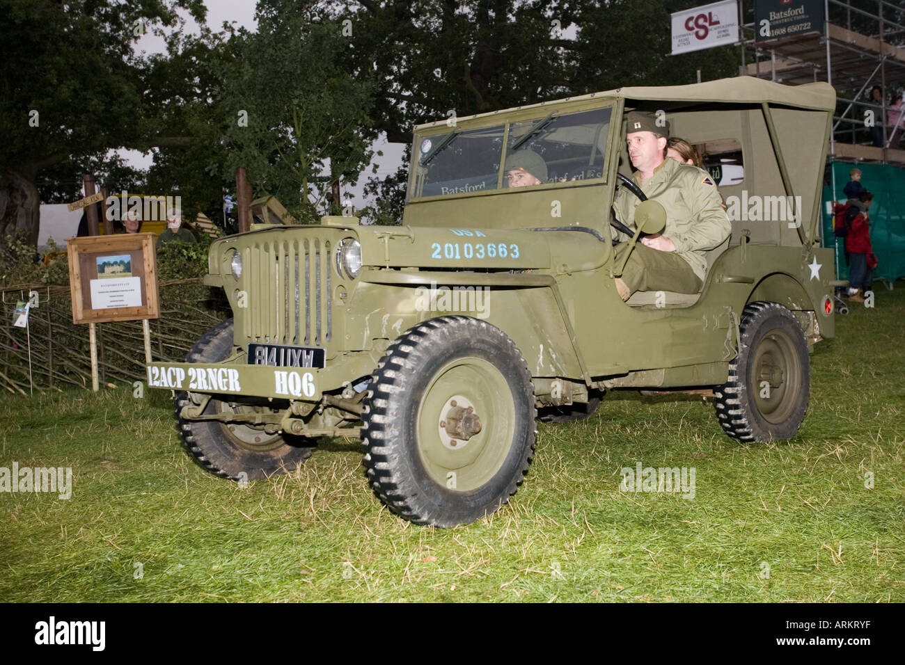 alten krieg getarnt usa armee jeep moreton show 2006 uk. Black Bedroom Furniture Sets. Home Design Ideas