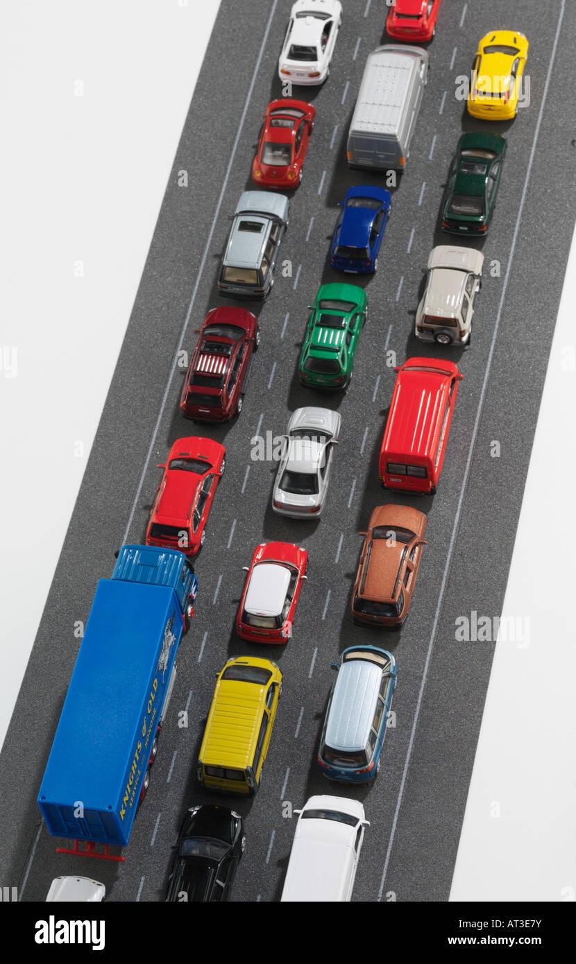 Modellautos im Stau, Draufsicht Stockbild