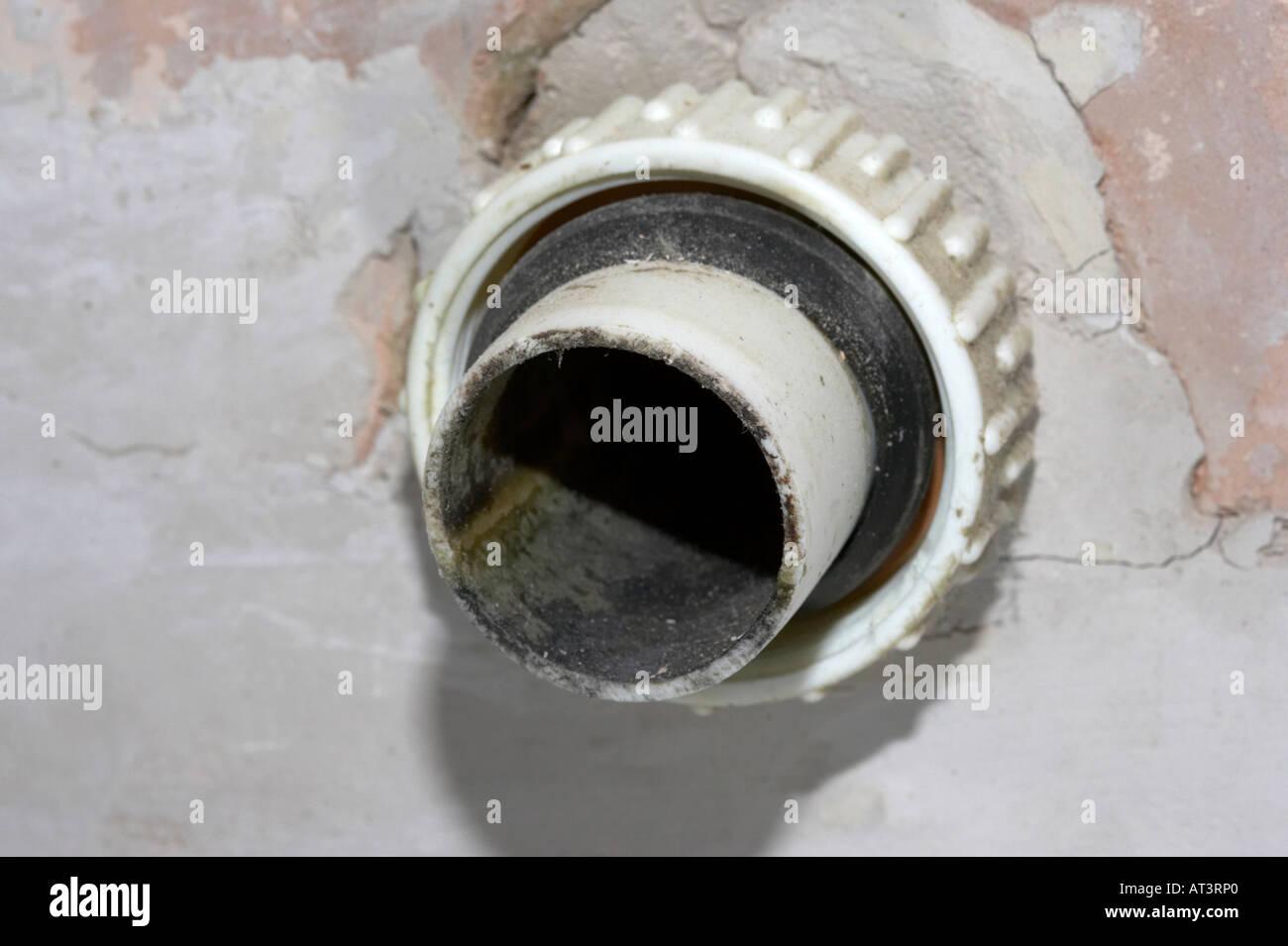 Alten Schmutzigen Unhygienischen Kunststoff Waschbecken Abflussrohr