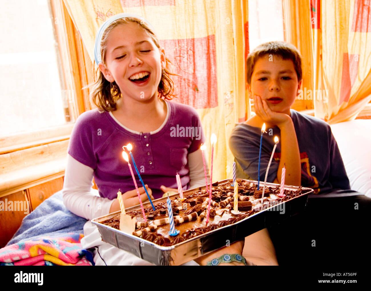 Glücklich Lächelnd Junges Mädchen Feiern Ihren 12 Geburtstag Mit