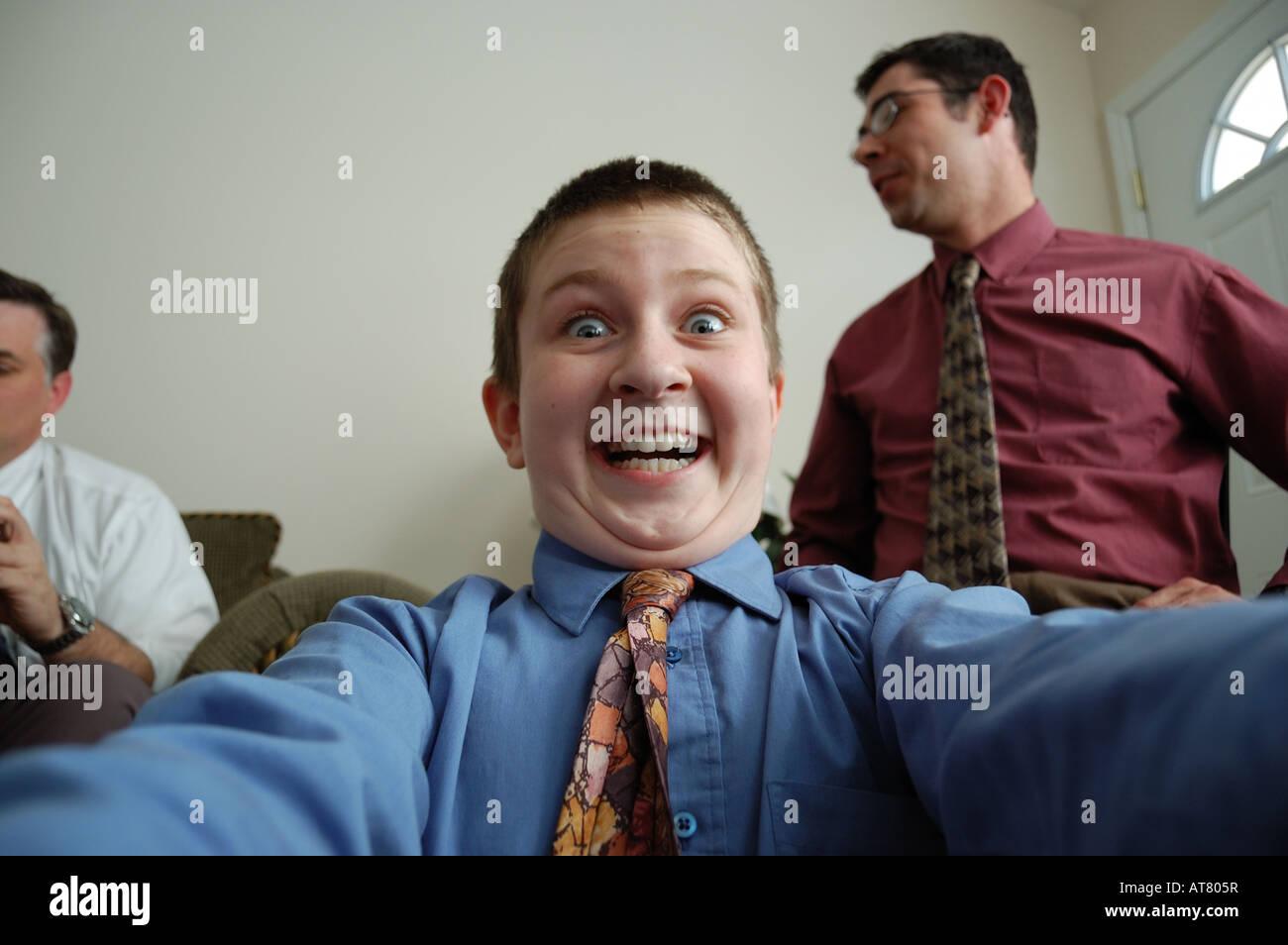 Junge nimmt ein Selbstporträt Stockbild