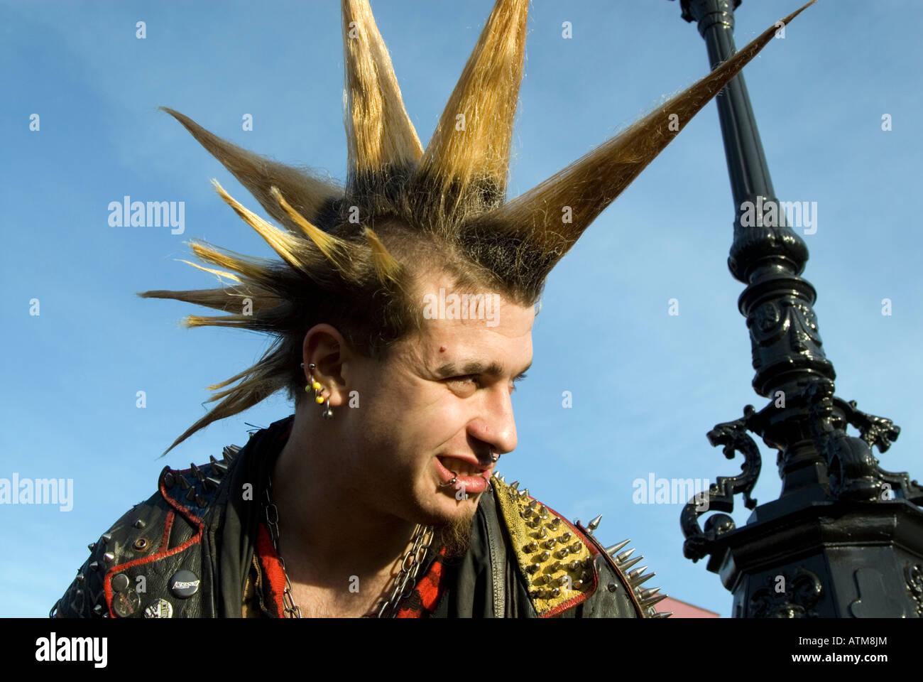 Kühlschrank Punk : Punk stockfotos punk bilder seite alamy