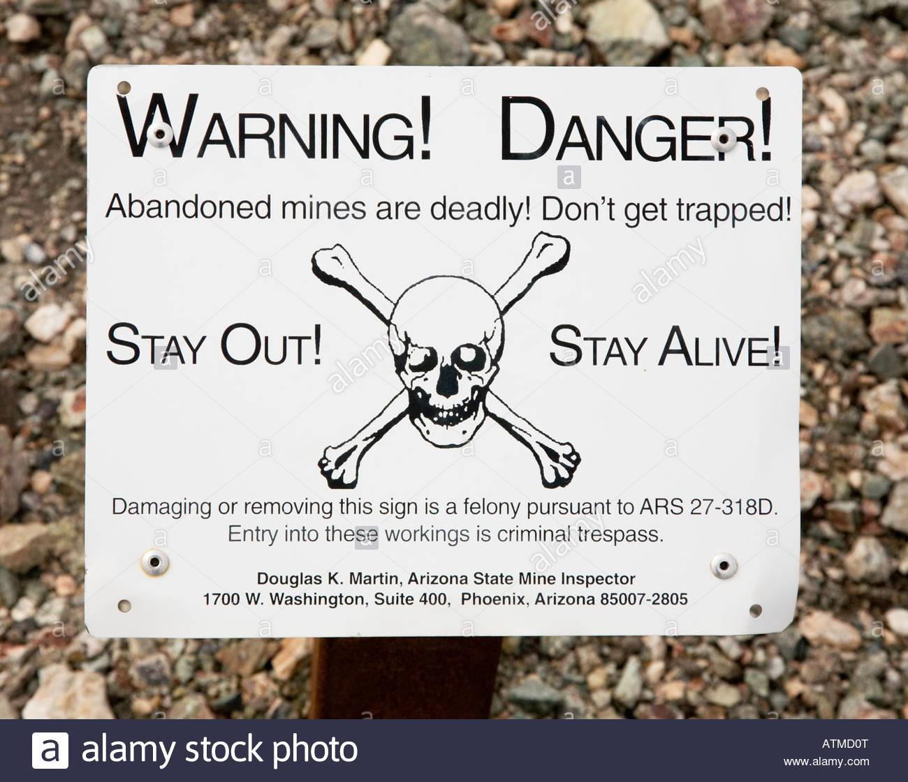 Abandoned Mine Warning Danger Sign Stockfotos Abandoned Mine