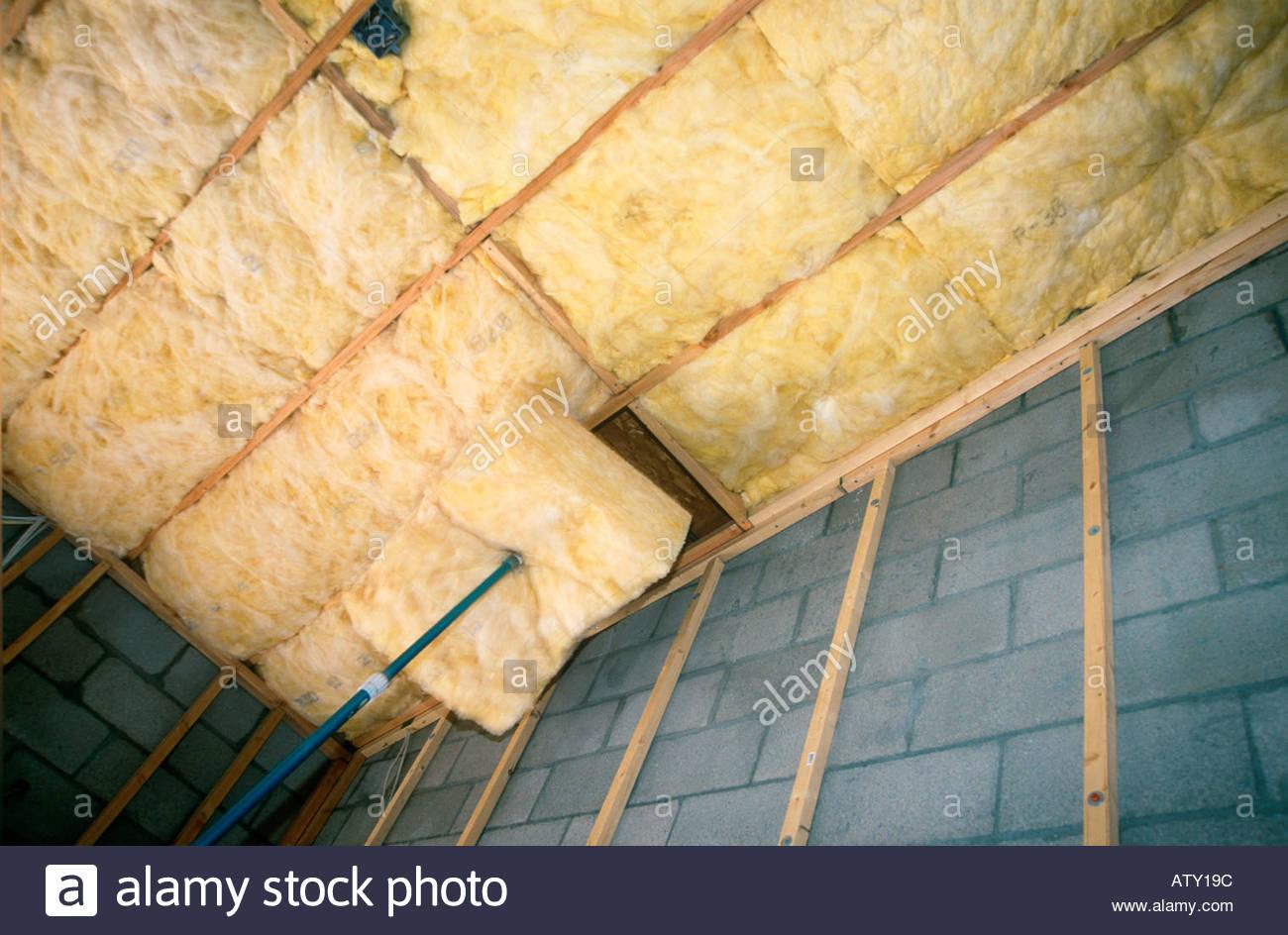 R30 R15 und R38 Isolierung im neuen Loft-Stil Haus im Bau Tucson Arizona installiert Stockbild
